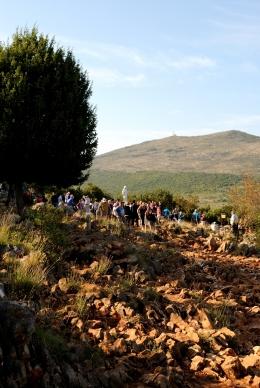 Medjugorje, Esaltazione della Croce 2015: Collina delle apparizioni (3) – Foto di Sardegna Terra di pace – Tutti i diritti riservati