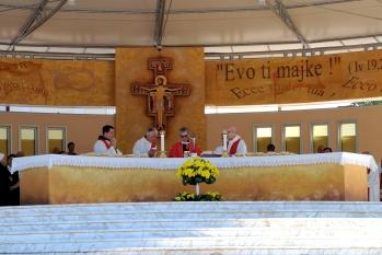 Medjugorje, Esaltazione della Croce 2015: Santa Messa (3) – Foto di Sardegna Terra di pace – Tutti i diritti riservati