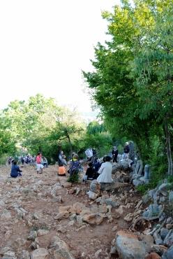 Medjugorje, Esaltazione della Croce 2015: Sentiero della Collina delle Apparizioni – Foto di Sardegna Terra di pace – Tutti i diritti riservati