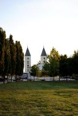Medjugorje, Esaltazione della Croce 2015: Spazio retrostante la Chiesa – Foto di Sardegna Terra di pace – Tutti i diritti riservati