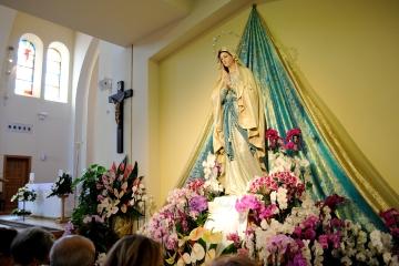 Medjugorje, Esaltazione della Croce 2015: Statua della Madonna di Lourdes – Foto di Sardegna Terra di pace – Tutti i diritti riservati