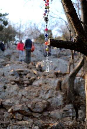 Medjugorje, Capodanno 2016: Rosario al Krizevac: Foto di Sardegna Terra di Pace – Tutti i diritti riservati