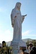 Medjugorje, Capodanno 2016: Statua della Regina della Pace sul Podbrdo: Foto di Sardegna Terra di Pace – Tutti i diritti riservati