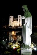 Medjugorje, Capodanno 2016: Statua della Regina della Pace: Foto di Sardegna Terra di Pace – Tutti i diritti riservati