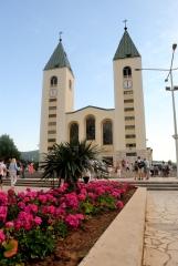 Medjugorje, Anniversario Apparizioni 2016: Chiesa di San Giacomo a Medjugorje (10) – Foto di Sardegna Terra di pace – Tutti i diritti riservati