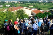 Medjugorje, Anniversario Apparizioni 2016: Salita al Podbrdo (2) – Foto di Sardegna Terra di pace – Tutti i diritti riservati