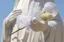 Medjugorje, Mladifest 2016: Rosa in mano alla Madonna – Foto di Sardegna Terra di pace – Tutti i diritti riservati