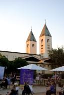 Medjugorje, Mladifest 2016: Spazio attorno alla Chiesa (2) – Foto di Sardegna Terra di pace – Tutti i diritti riservati