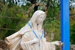 Medjugorje, Esaltazione della Croce 2016: Statua presso la Croce Blu – Foto di Sardegna Terra di pace – Tutti i diritti riservati