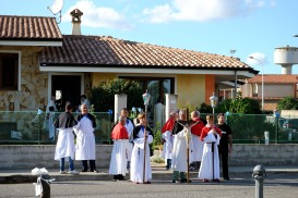 Preparazione alla processione – Foto di Sardegna Terra di pace – Tutti i diritti riservati