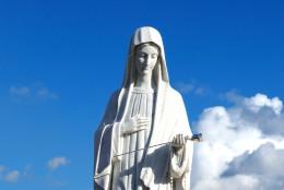 Statua Regina della Pace (2) - Foto di Sardegna Terra di pace – Tutti i diritti riservati