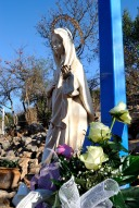 Medjugorje, Capodanno 2017: statua della Madonna alla Croce blu (2) – Foto di Sardegna Terra di pace – Tutti i diritti riservati