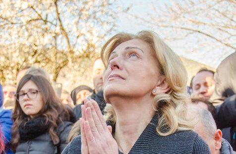 Medjugorje: Mirjana durante l'apparizione del 2 Marzo 2017 - Foto di Mateo Ivanković – Tutti i diritti riservati
