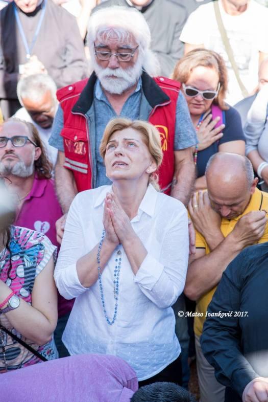 Medjugorje: Mirjana durante l'apparizione del 2 Luglio 2017 - Foto di Mateo Ivanković – Tutti i diritti riservati