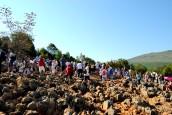 Medjugorje, Anniversario 2017: Collina delle Apparizioni (2) – Foto di Sardegna Terra di Pace – Tutti i diritti riservati