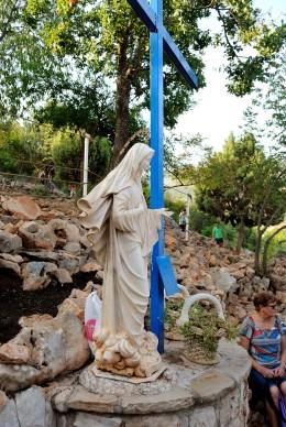 Medjugorje, Anniversario 2017: La Croce Blu (2) – Foto di Sardegna Terra di Pace – Tutti i diritti riservati
