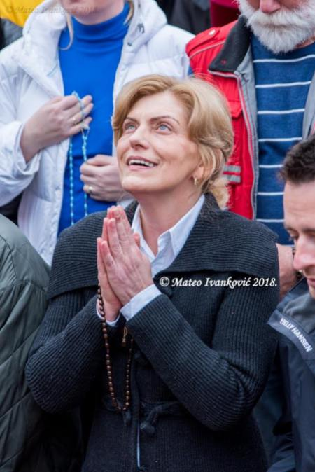 Medjugorje: Mirjana durante l'apparizione del 18 Marzo 2018 - Foto di Mateo Ivanković – Tutti i diritti riservati