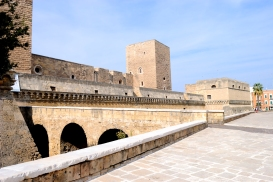 Bari, Castello Svevo - Foto di Sardegna Terra di pace – Tutti i diritti riservati