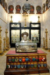 Interno Santuario san Nicola di Bari (4) - Foto di Sardegna Terra di pace – Tutti i diritti riservati