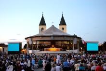 Medjugorje, Anniversario Apparizioni 2019: Altare esterno (5)