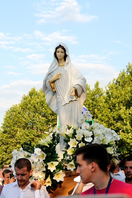 Medjugorje, Anniversario Apparizioni 2019: Statua Regina della Pace (4)