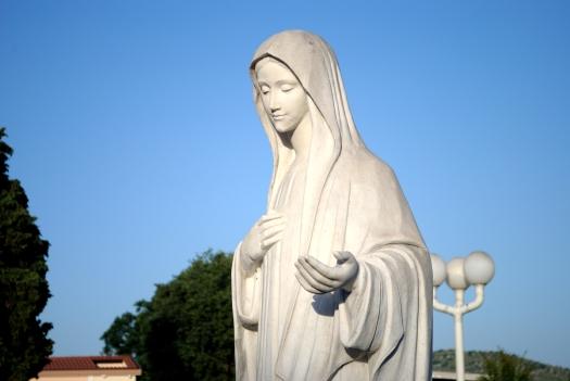 Medjugorje, Anniversario Apparizioni 2019: Statua Regina della Pace (7)