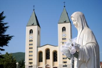 Medjugorje, Anniversario Apparizioni 2019: Statua Regina della Pace (9)
