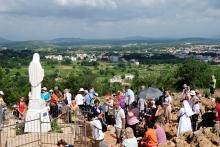 Medjugorje, Anniversario Apparizioni 2019: Statua Regina della Pace sul Podbrdo (5)